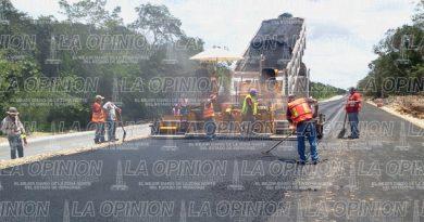 Alcanza a 98% pavimentación de carreteras
