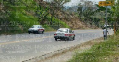 Alteran tarifas taxistas que van a Poza Rica