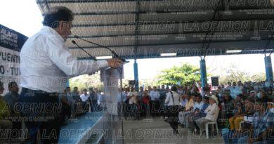Anuncia Miguel Ángel Yunes la construcción del puente Ojite