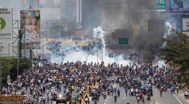 Aumenta a 9 el número de muertos en Venezuela