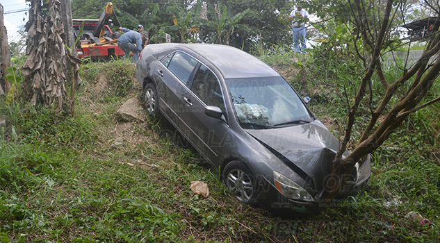 Automóvil Barranco Poza Rica