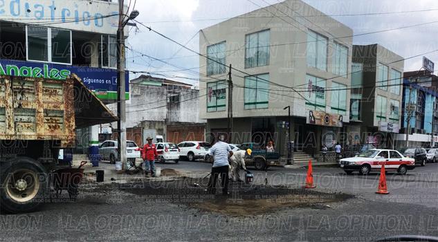 Bachean calles del centro de Poza Rica