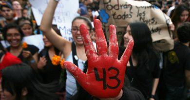 Cae La Medusa, investigado por la desaparición de los 43 estudiantes