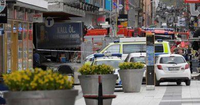 Camión enviste a una multitud en Estocolmo