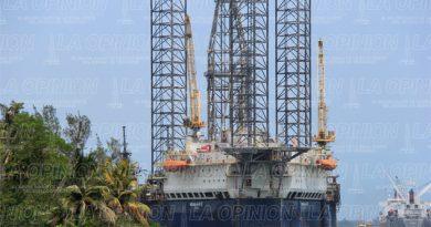 Cementerio de Pemex; crisis petrolera hundió empresas