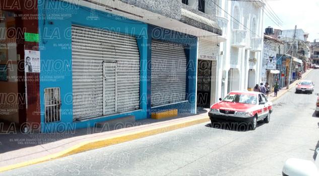 Cierran mas negocios en la zona centro de Papanla