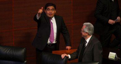 Confirma Miguel Barbosa su renuncia al PRD