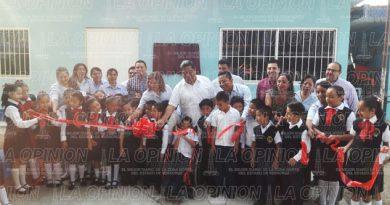 Continúan obras educativas a pesar de crisis económica