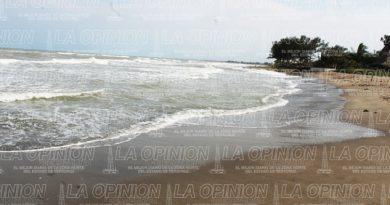 Detectan manchas de hidrocarburo en playas