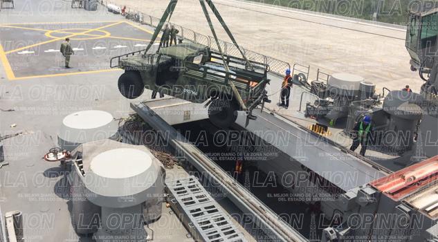 Embarcan vehículos de guerra de Sedena