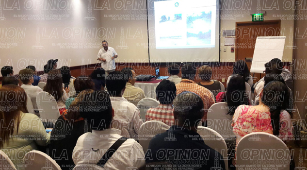 FONATUR imparte un curso a prestadores de servicios y directores de turismo