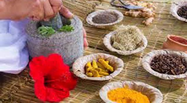Familias recurren a la medicina tradicional