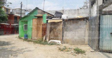 Habitantes de la 6 de Enero esperan pipas de agua que prometió CAEV