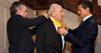 Lamenta Peña Nieto, muerte del politólogo italiano Giovanni Sartori