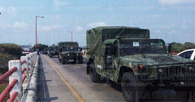 Llegan a Tuxpan 103 vehículos del Ejército Mexicano