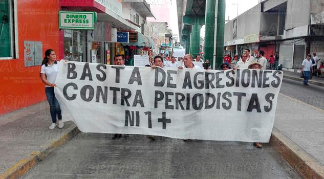 Marcha Poza Rica Periodístas Comunicadores Armando Arrieta