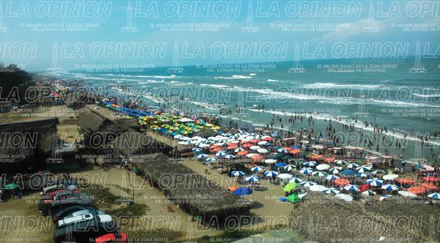 Playas al tope; llegan miles de turistas
