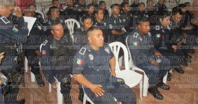 Policías laboran sin seguro de vida