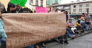 Protestan trabajadores