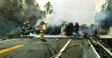 Se impacta pipa cargada de combustible contra autobús; hay 8 lesionados