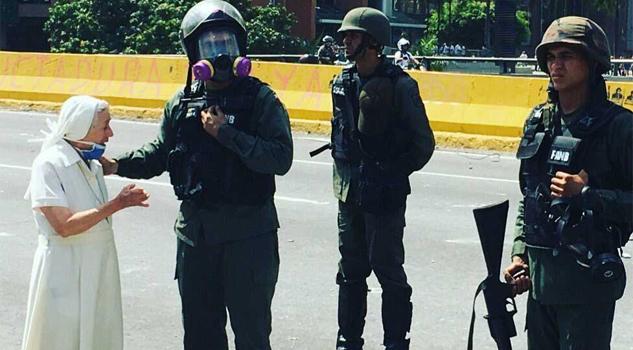Sor Esperanza clama por la paz en Venezuela