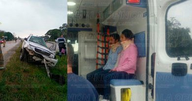 Volcadura Camioneta CarreteraTuxpan Poza Rica
