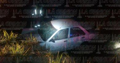 Vuelca automóvil; dos lesionados