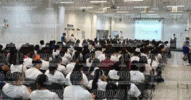 Al rededor de 3 mil estudiantes ingresan al posgrado que ofrece la UV