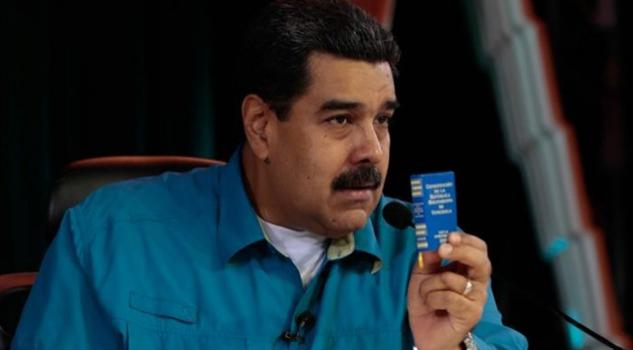 Anuncia Maduro un proceso para crear una nueva Constitución