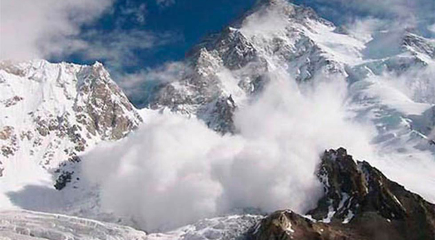 Avalancha mata a tres esquiadores