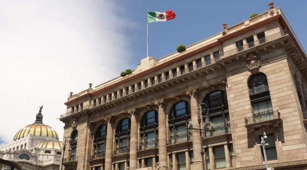 Banxico podría desvincular su política de la Fed