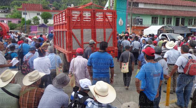 Bloqueo carretero; exigen obras estatales y municipales