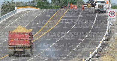 Camioneros logran contrato en 3 obras
