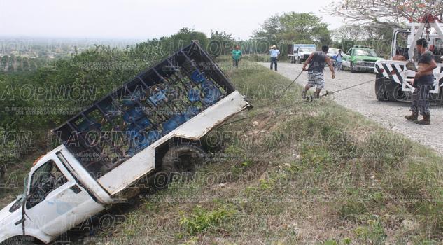 Camioneta, al barranco