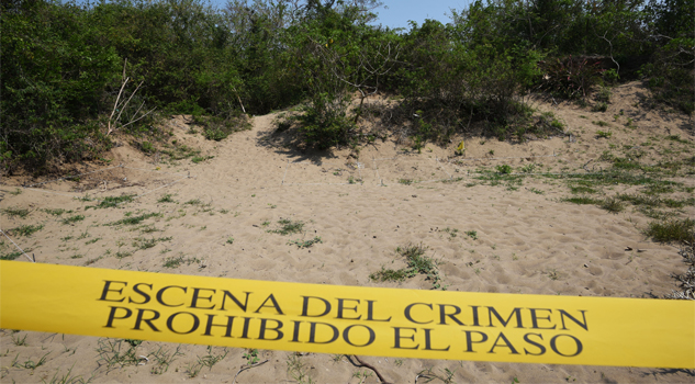 Encuentran más fosas clandestinas
