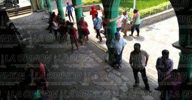 Entregan el palacio municipal de Coxquihui