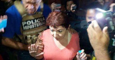 Gina habría desviado 100 millones de pesos