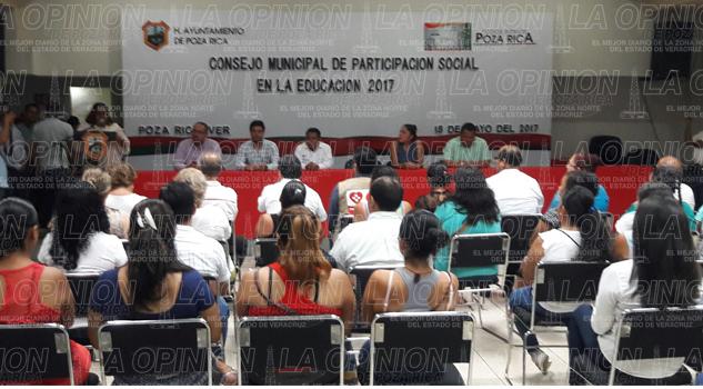 Instalan el Consejo Municipal de Participación Social en la Educación 2017
