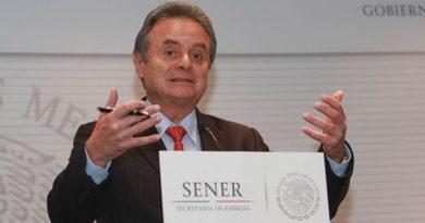 México apoya recortes a la producción de crudo