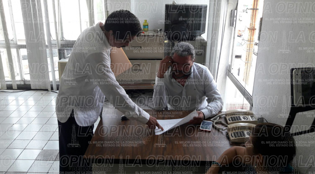Miguel Ángel Solís Alvarado entrega la oficina de política regional