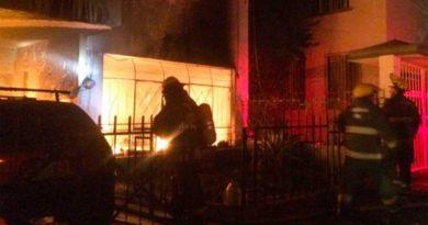 Muere familia tras incendio de una casa