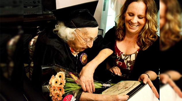 Nunca es demasiado tarde... mujer de 105 años obtuvo su diploma de secundaria