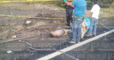 Un muerto y seis heridos en volcadura