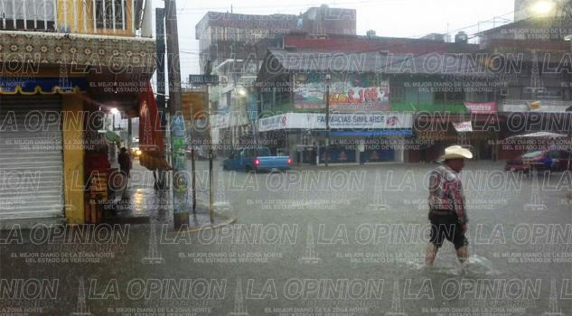 Paralizan lluvias a la Citrópolis