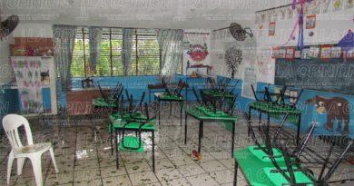 Registran 11 escuelas dañadas por turbonada