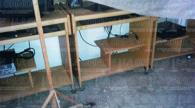 Robos en escuelas de Mecatlán