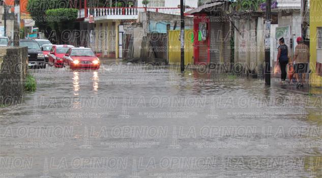 Severa tormenta castiga Tuxpan