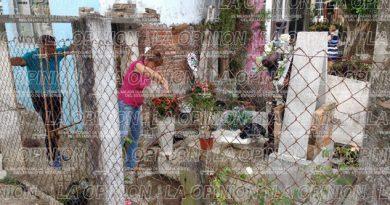 vendedores de flores se quedaron esperando un repunte en sus ventas