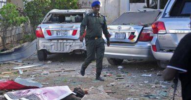 17 muertos por atentado con coche bomba en Mogadiscio