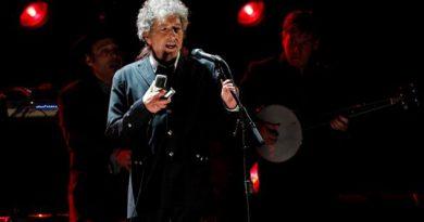 Acusan a Bob Dylan de plagio